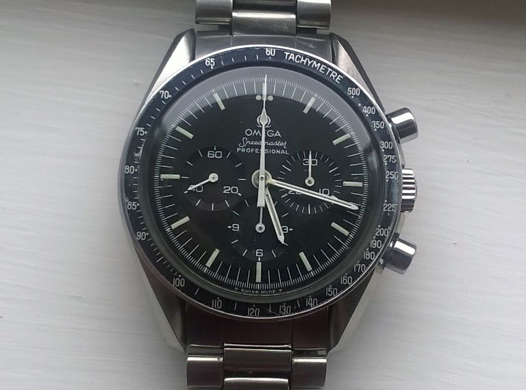 Bezel of the 145.022-78. Photo: Mark B.